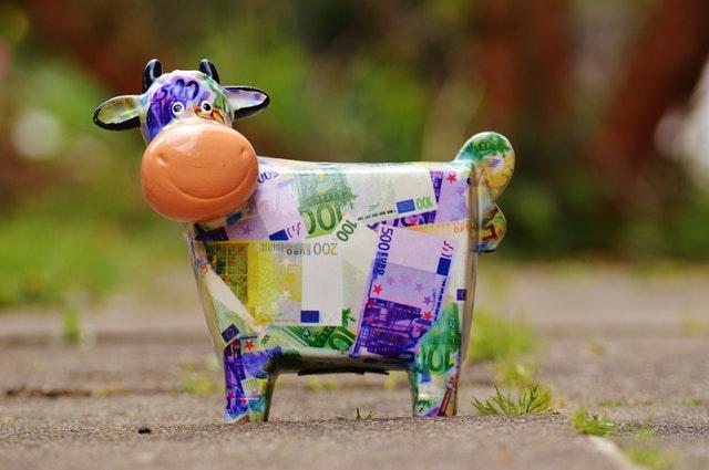 Taloutta voi helposti piristää esimerkiksi laittamalla kuukausittain pieni määrä rahaa osakesalkkuun
